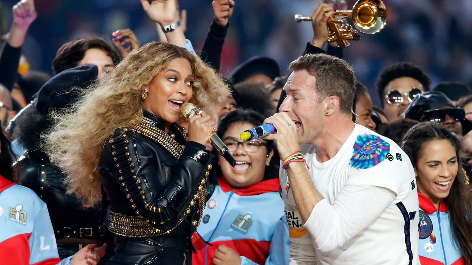 beyonce-and-chris-martin-of-coldplay-perform-during-half-time-at-the-nfl-s-super-bowl_5511779