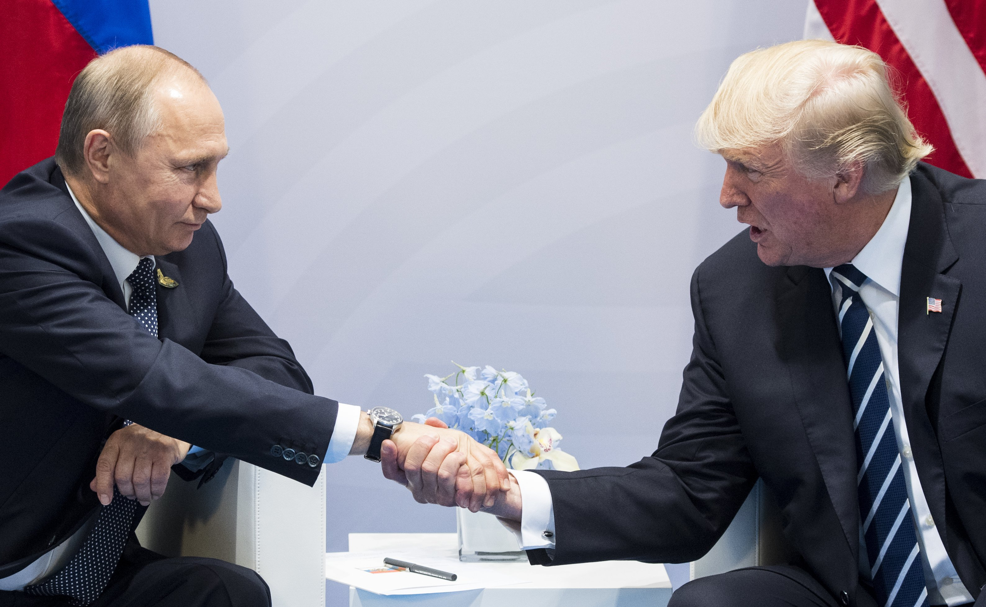 trump-putin-body-language
