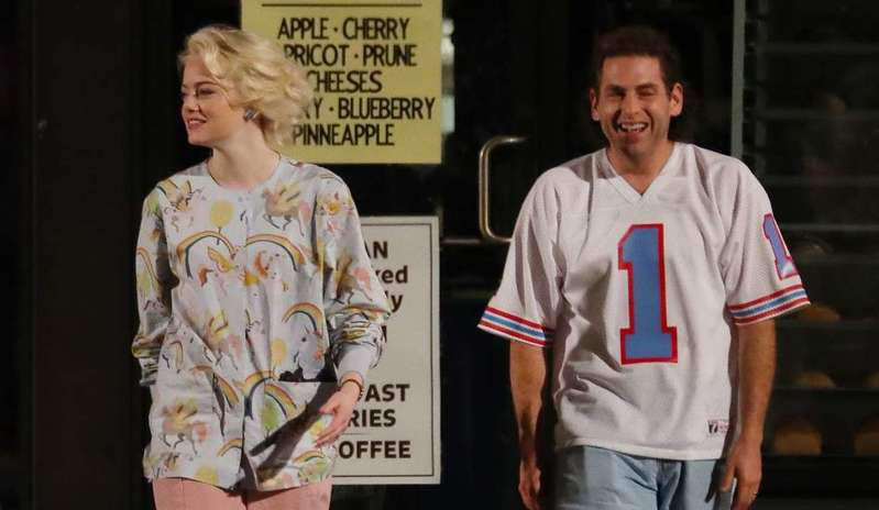 emma-stone-and-jonah-hill-filming-their-upcoming-netflix-series-maniac-in-long-island-new-york-290817_13 (1)