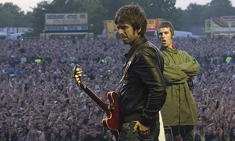 Noel-and-Liam-Gallagher-a-002